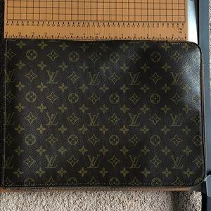 Louis Vuitton folder holder
